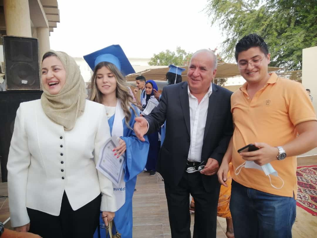 La Major et des parents heureux