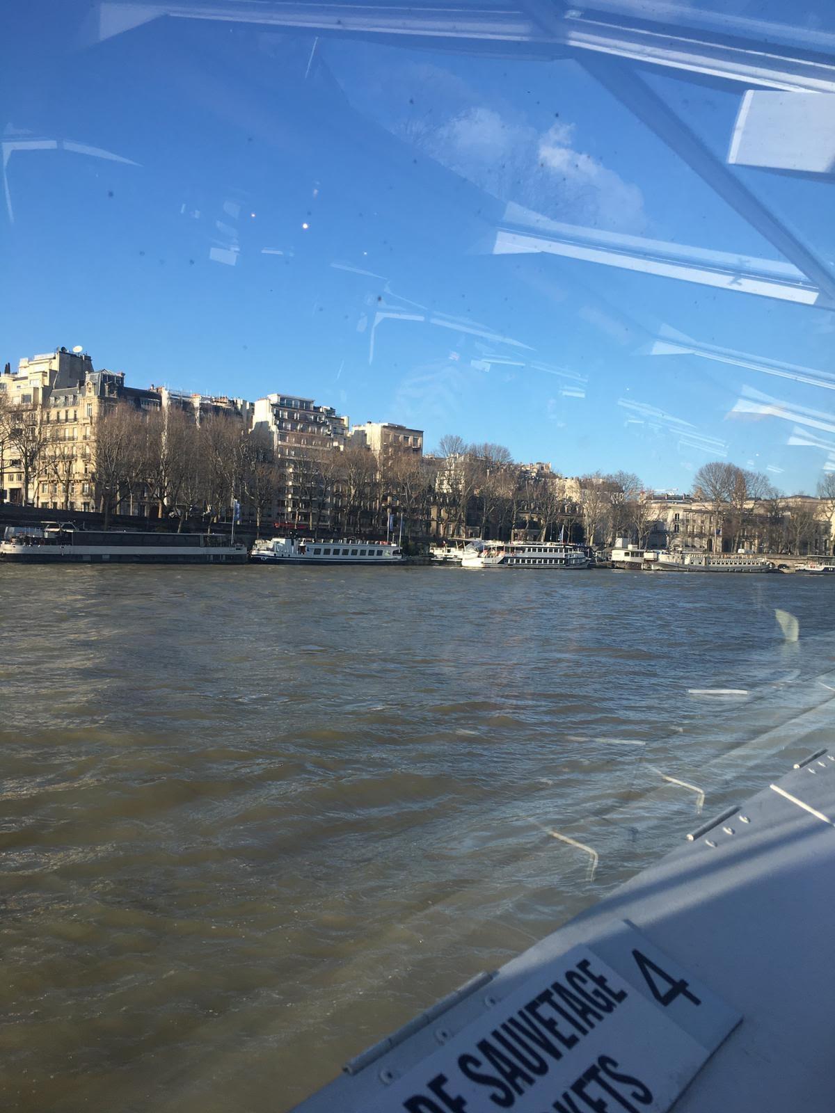 Visite de Paris en bateau-mouche !